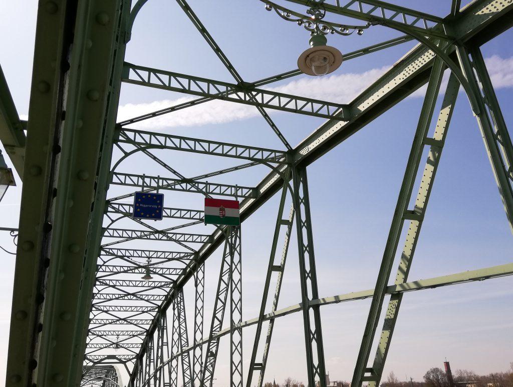 Komárno (Hungarian border)