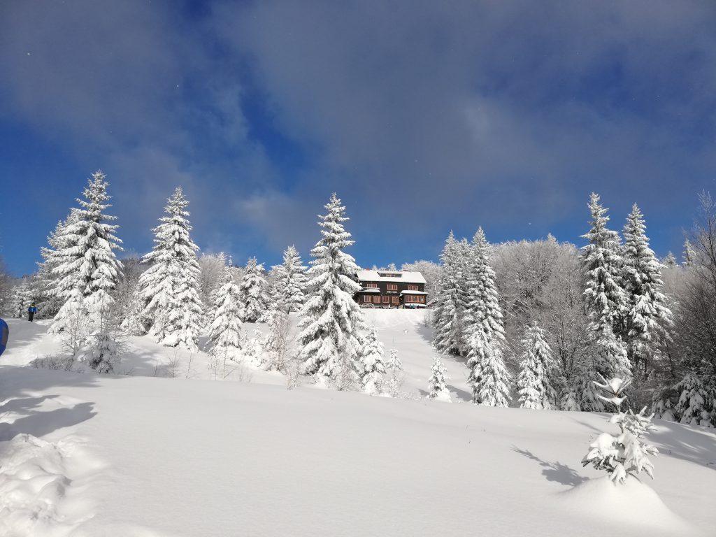 Chata pod Kľačianskou Magurou (1150 meters)