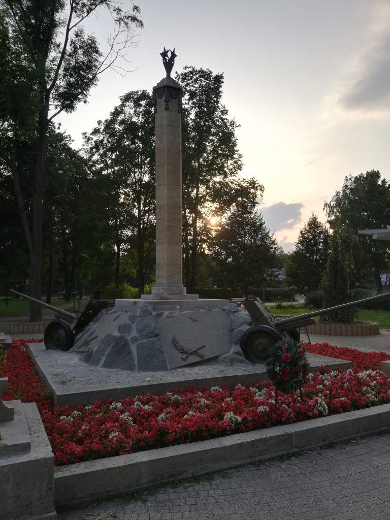 Poprad (monument near the train station)
