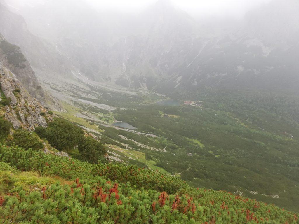 Descent from Veľká Svišťovka, on the path to Chata pri Zelenom plese