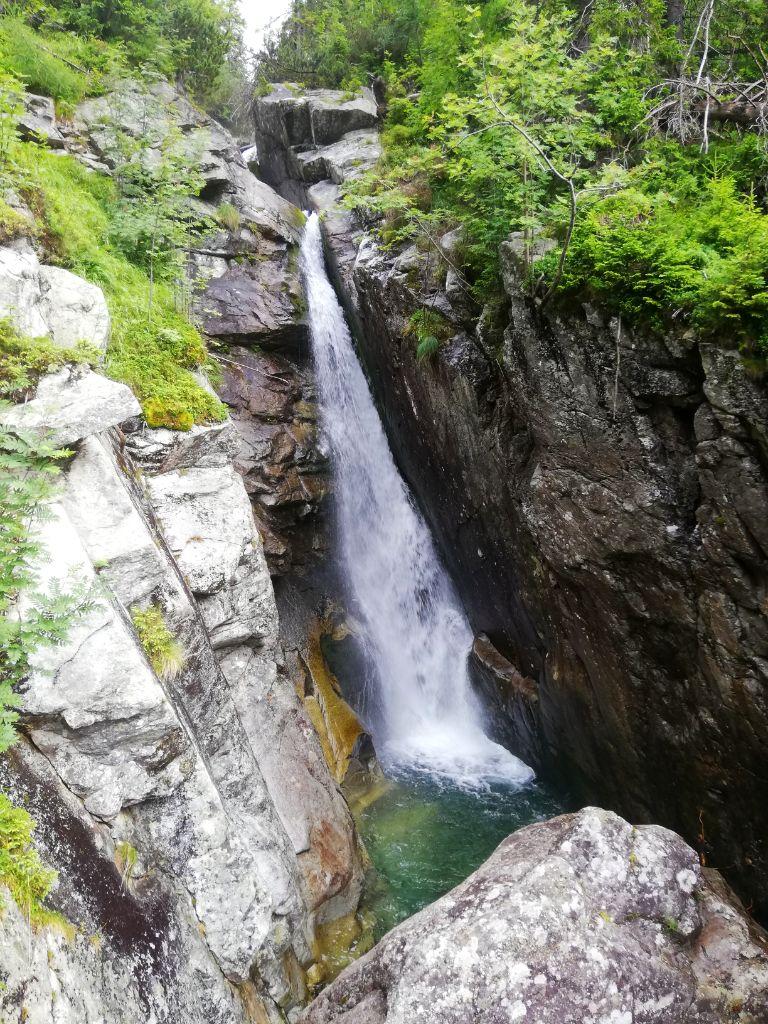 """Obrovský vodopád (""""Giant waterfall"""")"""