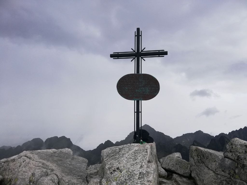 Slavkovský štít (cross on the peak)
