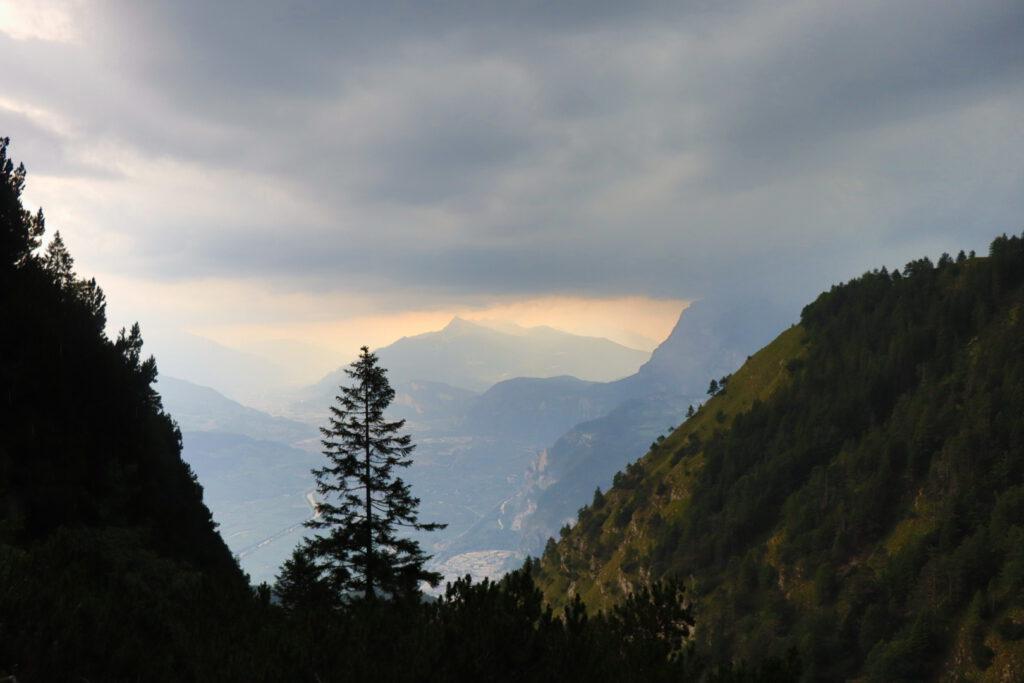 Descent from Cima Roccapiana, near the Malga Bodrina cabin